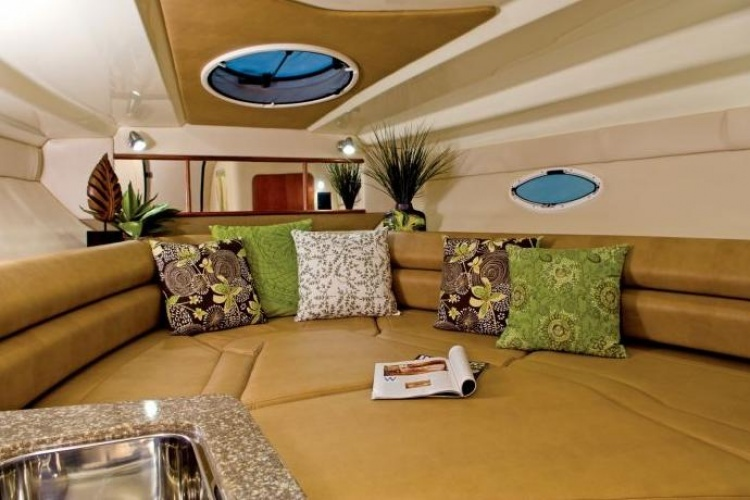 Boat 295 SCR | Cruisers & sport yachts | Monterey | Models | Boats | Boats ...